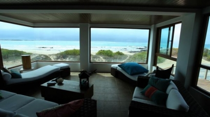 iguana-crossing-vista-playa-sala